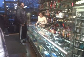 Joakim-Noah-Shopping-For-Bongs-In-Smoke-Shop1_display_image.jpg?1304982451