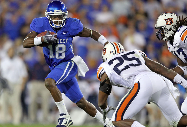 LEXINGTON, KY - OCTOBER 09:  Randall Cobb #18 of the Kentucky Wildcats runs with the ball during the SEC game against  the Auburn Tigers  at Commonwealth Stadium on October 9, 2010 in Lexington, Kentucky.  (Photo by Andy Lyons/Getty Images)