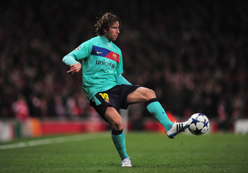 LONDON, ENGLAND - FEBRUARY 16: Maxwell of Barcelona in action during the UEFA Champions League round of 16 first leg match between Arsenal and Barcelona at the Emirates Stadium on February 16, 2011 in London, England.  (Photo by Shaun Botterill/Getty Imag
