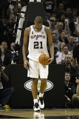 SAN ANTONIO - JUNE 6:  Tim Duncan #21 of the San Antonio Spurs walks on the court dejected in Game two of the 2003 NBA Finals against the New Jersey Nets at SBC Center on June 6, 2003 in San Antonio, Texas.  The Nets won 87-85.  NOTE TO USER: User express