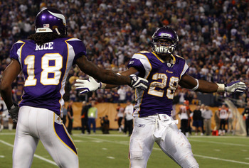 MINNEAPOLIS, MN - DECEMBER 13:  Adrian Peterson #28 of the Minnesota Vikings celebrates his fourth quarter touchdown against the Cincinnati Bengals with teammate Sidney Rice #18 on December 13, 2009 at Hubert H. Humphrey Metrodome in Minneapolis, Minnesot