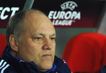 TURIN, ITALY - FEBRUARY 25:  Ajax head coach Martin Jol looks on prior to the UEFA Europa League Round 32 second leg match between Juventus and Ajax on February 25, 2010 in Turin, Italy.  (Photo by Valerio Pennicino/Getty Images)