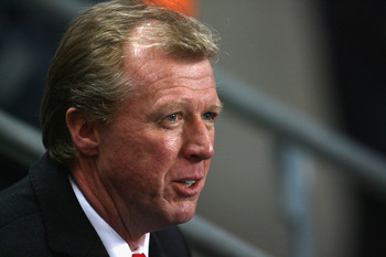 MANCHESTER, UNITED KINGDOM - NOVEMBER 06:  FC Twente Manager Steve McClaren looks on prior to the start of the UEFA Cup Group A match between Manchester City and FC Twente at The City of Manchester Stadium on November 6, 2008 in Manchester, England. (Phot