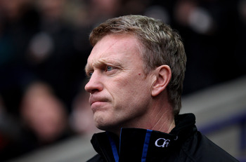 BOLTON, ENGLAND - FEBRUARY 13:  Everton Manager David Moyes looks on prior to the Barclays Premier League match between Bolton Wanderers and Everton at the Reebok Stadium on February 13, 2011 in Bolton, England. (Photo by Alex Livesey/Getty Images)
