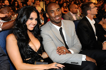 LOS ANGELES, CA - JULY 15:  NBA player Kobe Bryant and wife Vanessa in the audiebce during the 2009 ESPY awards held at Nokia Theatre LA Live on July 15, 2009 in Los Angeles, California. The 17th annual ESPYs will air on Sunday, July 19 at 9PM ET on ESPN.
