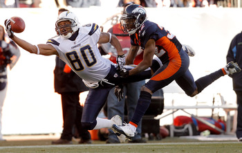 DENVER, CO - JANUARY 2:  Wide receiver Malcom Floyd #80 of the San Diego Chargers makes a one-handed 41-yard reception for a first down against cornerback Perrish Cox #32 of the Denver Broncos during the second quarter at INVESCO Field at Mile High on Jan