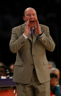 LOS ANGELES, CA - JANUARY 15:  Head coach Mike Dunleavy of the Los Angeles Clippers calls out during the game against the Los Angeles Lakers on January 15, 2010 at Staples Center in Los Angeles, California. The Lakers won 126-86. NOTE TO USER: User expres