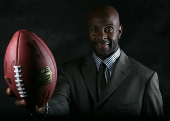 MENLO PARK, CA - OCTOBER 08:  Former NFL player Jerry Rice poses for a portrait at Sharon Heights Golf Club on September 8, 2007 in Menlo Park, California.  (Photo by Jed Jacobsohn/Getty Images)