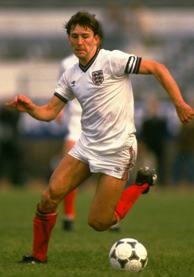 17 Jun 1984:  Bryan Robson of England in action during a Friendly match against Chile in Santiago, Chile. The match ended in a 0-0 draw.  \ Mandatory Credit: David  Cannon/Allsport