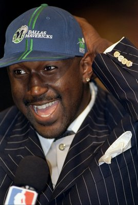 24 Jun 1998: A picture of the 6th Pick Robert Traylor by the Dallas Mavericks who was traded to the Milwaukee Bucks during the NBA Draft at the General Motors Palace in Vancouver, Canada. FOR EDITORIAL USE ONLY