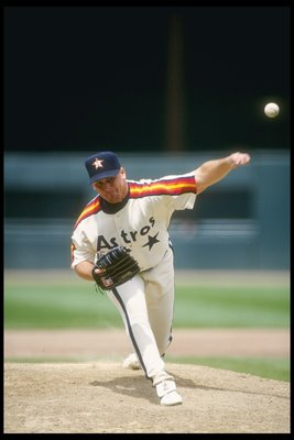 17 May 1993:  Pitcher Greg Swindell of the Houston Astros throws a pithc during a game against the San Francisco Giants at Candlestick Park in San Francisco, California.  Mandatory Credit: Otto Greule  /Allsport