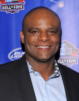 NEW YORK, NY - APRIL 27:  Pro Football Hall of Fame member Warren Moon attends the Bud Light 'Best Round Ever' Pre-Draft Party on April 27, 2011 in New York City. Bud Light, the new official beer of the NFL, offered fans $10 million if they could correctl