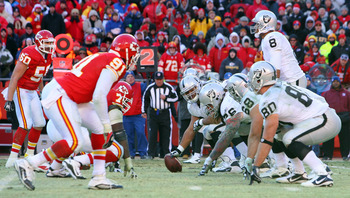 KANSAS CITY, MO - JANUARY 02:  The Oakland Raiders offense lines up against the defense of the Kansas City Chiefs at Arrowhead Stadium on January 2, 2011 in Kansas City, Missouri.  (Photo by Tim Umphrey/Getty Images)