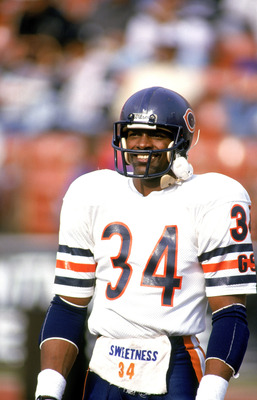 LOS ANGELES - DECEMBER 1987:  Running back Walter Payton #34 of the Chicago Bears looks on during a game against the Los Angeles Raiders circa December of 1987 at the Los Angeles Memorial Coliseum in Los Angeles, California.  (Photo by Mike Powell/Getty I