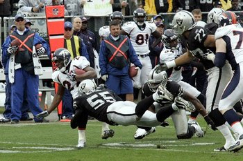 121910-raidersvsbroncos2--nfl_medium_540_360_display_image