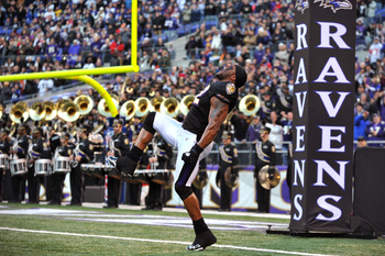 BALTIMORE, MD - NOVEMBER 28:  Ray Lewis #52 of the Baltimore Ravens is introduced before the game against the Tampa Bay Buccaneers at M&T Bank Stadium on November 28, 2010 in Baltimore, Maryland. The Ravens defeated the Buccaneers 17-10. (Photo by Larry F