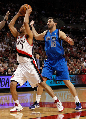 PORTLAND, OR - APRIL 23:  Brandon Roy #7 of the Portland Trail Blazers goes for a lay up agianst Peja Stojakovic #16 of the Dallas Mavericks in Game Four of the Western Conference Quarterfinals in the 2011 NBA Playoffs on April 23, 2011 at the Rose Garden