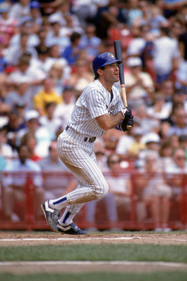 MILKAUKEE - 1990:  Paul Molitor #4 of the Milwaukee Brewers connects with a pitch during the 1990 season game at Milwaukee County Stadium in Milwaukee, Wisconsin.  (Photo by Jonathan Daniel/Getty Images)