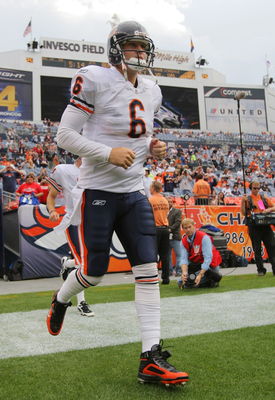 DENVER - AUGUST 30:  Quarterback Jay Cutler #6 of the Chicago Bears jogs onto the field prior to the preseason game against the Denver Broncos at INVESCO Field at Mile High on August 30, 2009 in Denver, Colorado.  (Photo by Doug Pensinger/Getty Images)