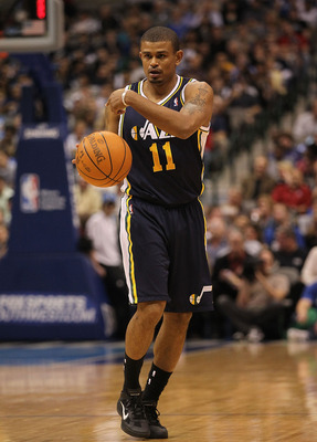 DALLAS, TX - FEBRUARY 23:  Guard Earl Watson #11 of the Utah Jazz at American Airlines Center on February 23, 2011 in Dallas, Texas.  NOTE TO USER: User expressly acknowledges and agrees that, by downloading and or using this photograph, User is consentin