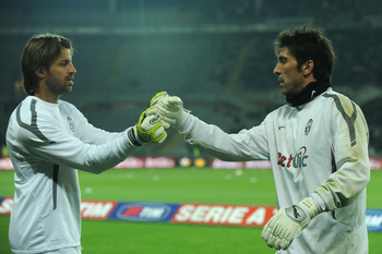 TURIN, ITALY - APRIL 23:  Marco Storari (L) and Gianluigi Buffon of Juventus FC prior to the Serie A match between Juventus FC and Catania Calcio at Olimpico Stadium on April 23, 2011 in Turin, Italy.  (Photo by Valerio Pennicino/Getty Images)