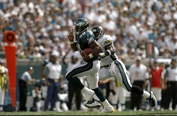 12 Oct 1997:  Irving Fryar #80 of the Philadelphia Eagles in action during a game against the Jacksonville Jaguars at Alltel Stadium in Jacksonville, Florida.  The Jaguars defeated the Eagles 38-21. Mandatory Credit: Andy Lyons  /Allsport