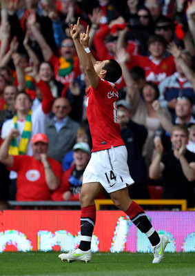 MANCHESTER, ENGLAND - MAY 08:  Javier Hernandez of Manchester United celebrates scoring the opening goal during the Barclays Premier League match between Manchester United and Chelsea at Old Trafford on May 8, 2011 in Manchester, England.  (Photo by Alex
