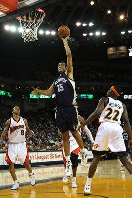 OAKLAND, CA - MARCH 30:  Hamed Haddadi #15 of the Memphis Grizzlies shoots against the Golden State Warriors during an NBA game on March 30, 2009 at Oracle Arena in Oakland, California. NOTE TO USER: User expressly acknowledges and agrees that, by downloa