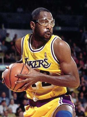566140-james_worthy_large_display_image