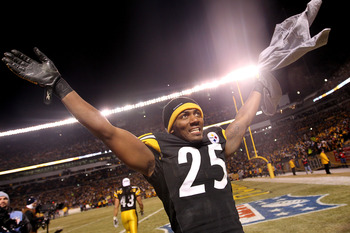 PITTSBURGH, PA - JANUARY 23:  Ryan Clark #25 of the Pittsburgh Steelers celebrates their 24 to 19 win over the New York Jets in the 2011 AFC Championship game at Heinz Field on January 23, 2011 in Pittsburgh, Pennsylvania.  (Photo by Nick Laham/Getty Imag