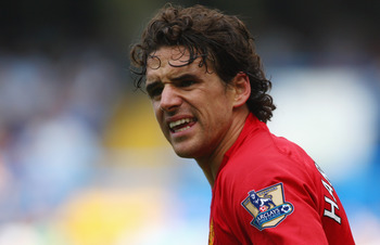 LONDON - SEPTEMBER 21:  Owen Hargreaves of Manchester United looks on during the Barclays Premier League match between Chelsea and Manchester United at Stamford Bridge on September 21, 2008 in London, England.  (Photo by Mike Hewitt/Getty Images)