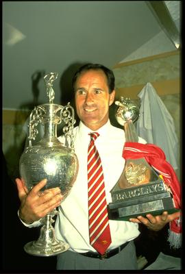 26 MAY 1989:  ARSENAL MANAGER GEORGE GRAHAM HOLD THE LEAGUE CHAMPIONSHIP TROPHIES AFTER HIS TEAM HAD BEATEN LIVERPOOL 2-0 AT ANFIELD TO WIN THE CHAMPIONSHIP.