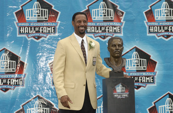 CANTON, OH - AUGUST 3:  Pro Football  Hall of Fame inductee James Lofton poses with his bust during the 2003 NFL Hall of Fame Induction ceremony on August 3, 2003 in Canton, Ohio.  (Photo by David Maxwell/Getty Images)
