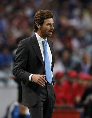 PORTO, PORTUGAL - APRIL 28: Head coach Andre Villas Boas of FC Porto reacts during the UEFA Europa League semi final first leg match between FC Porto and Villarreal at Estadio do Dragao on April 28, 2011 in Porto, Portugal.  (Photo by Angel Martinez/Getty