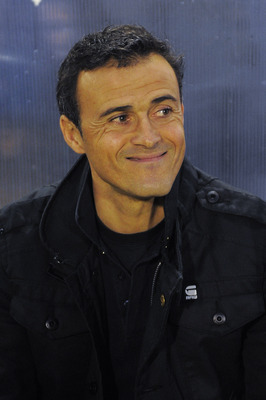 BARCELONA, SPAIN - JANUARY 08:  Head coach Luis Enrique of FC Barcelona B looks on prior the La Liga Adelante match between FC Barcelona B and Girona at Mini Estadi on January 8, 2011 in Barcelona, Spain.  (Photo by David Ramos/Getty Images)