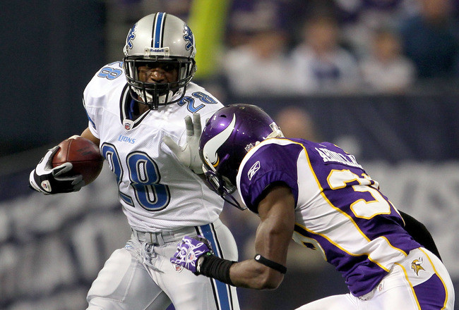 MINNEAPOLIS - SEPTEMBER 26:  Running back Maurice Morris #28 of the Detroit Lions carries the ball against the Minnesota Vikings at Mall of America Field on September 26, 2010 in Minneapolis, Minnesota. The Vikings defeated the Lions 24-10.  (Photo by Jef