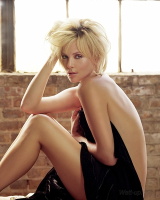 Charlize_theron_12_display_image