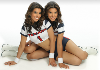 Houtexans_twins_display_image