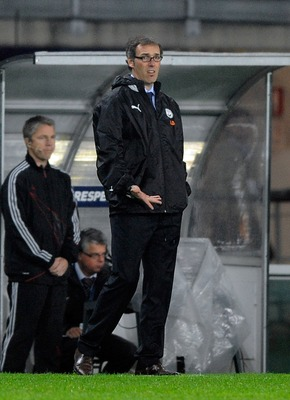 TURIN, ITALY - SEPTEMBER 15:  Head coach Laurent Blanc of Bordeaux looks on during the UEFA Champions League Group A match between Juventus FC and FC Girondins de Bordeaux at the Olympic Stadium on September 15, 2009 in Turin, Italy.  (Photo by Claudio Vi