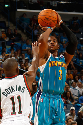 NEW ORLEANS - OCTOBER 27:  Chris Paul #3 of the New Orleans Hornets shoots the ball against the Milwaukee Bucks on October 27, 2010 in New Orleans, Louisiana.  NOTE TO USER: User expressly acknowledges and agrees that, by downloading and or using this pho