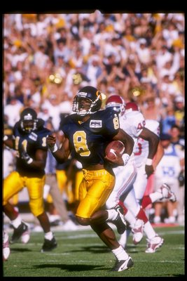 20 Sep 1997: Deltha O''Neal of the California Golden Bears moves the ball during a game against the Oklahoma Sooners at Memorial Stadium in Berkeley, California. California won the game, 40-36.