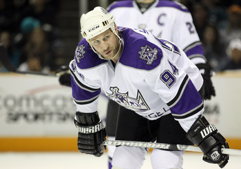 SAN JOSE, CA - APRIL 23:  Ryan Smyth #94 of the Los Angeles Kings in action during their game against the San Jose Sharks in game five of the Western Conference Quarterfinals during the 2011 NHL Stanley Cup Playoffs at HP Pavilion on April 23, 2011 in San