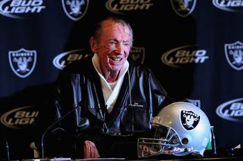ALAMEDA, CA - JANUARY 18:  Oakland Raiders owner Al Davis speaks during a press conference on January 18, 2011 in Alameda, California. Hue Jackson was introduced as the new coach of the Oakland Raiders, replacing the fired Tom Cable.  (Photo by Justin Sul