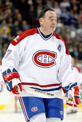 MONTREAL- DECEMBER 4:  Former Montreal Canadien Frank Mahovlich skates during the Centennial Celebration ceremonies prior to the NHL game between the Montreal Canadiens and Boston Bruins on December 4, 2009 at the Bell Centre in Montreal, Quebec, Canada.