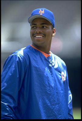 21 Jul 1993: A CANDID PORTRAIT OF NEW YORK METS INFIELDER BOBBY BONILLA DURING THE METS VERSUS SAN DIEGO PADRES GAME AT JACK MURPHY STADIUM IN SAN DIEGO, CALIFORNIA.