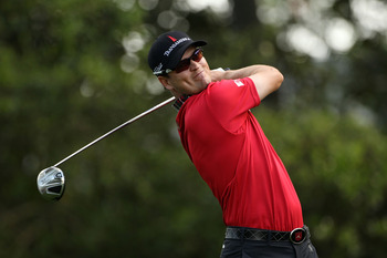 AUGUSTA, GA - APRIL 08:  Zach Johnson hits his tee shot on the second hole during the second round of the 2011 Masters Tournament at Augusta National Golf Club on April 8, 2011 in Augusta, Georgia.  (Photo by Andrew Redington/Getty Images)