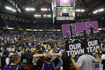 SACRAMENTO, CA - APRIL 13:  Fans of the Sacramento Kings hold up signs against the Los Angeles Lakers on April 13, 2011 at Power Balence Pavilion in Sacramento, California. NOTE TO USER: User expressly acknowledges and agrees that, by downloading and/or u