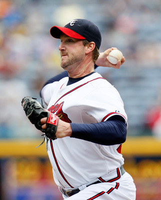 ATLANTA, GA - MAY 17:  Derek Lowe #32 of the Atlanta Braves pitches to the Houston Astros at Turner Field on May 17, 2011 in Atlanta, Georgia.  (Photo by Kevin C. Cox/Getty Images)