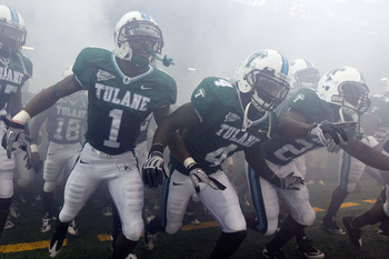NEW ORLEANS - SEPTEMBER 11:  Members of the Tulane Green Wave take the field before playing the Ole Miss Rebels at the Louisiana Superdome on September 11, 2010 in New Orleans, Louisiana.  (Photo by Chris Graythen/Getty Images)