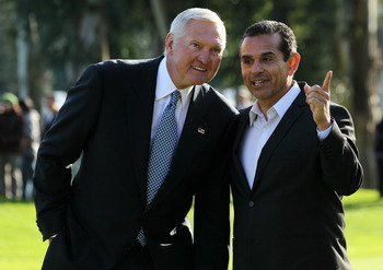 PACIFIC PALISADES, CA - FEBRUARY 20: Tournament execuctive director and NBA legend Jerry West (L) and Los Angeles mayor Antonio Villaraigosa talk during trophy ceremonies after the final round of the Northern Trust Open at Riviera Country Club on February